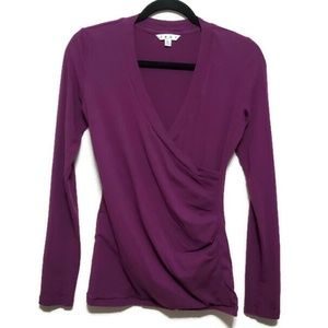 Cabi long sleeved runched side wrap purple v neck